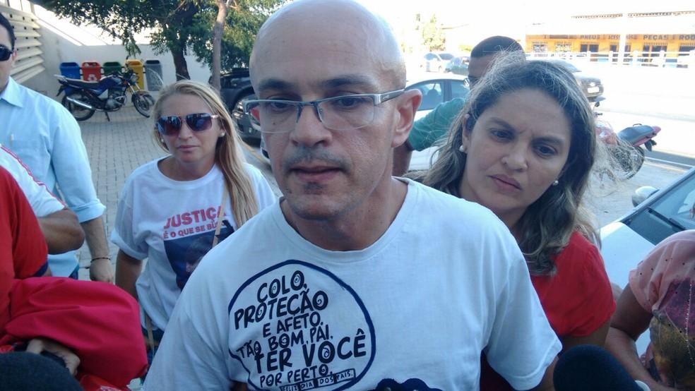 Francileudo Bezerra faz primeira aparição pública desde a data do crime, em novembro (Foto: Gabriela Alves/G1)