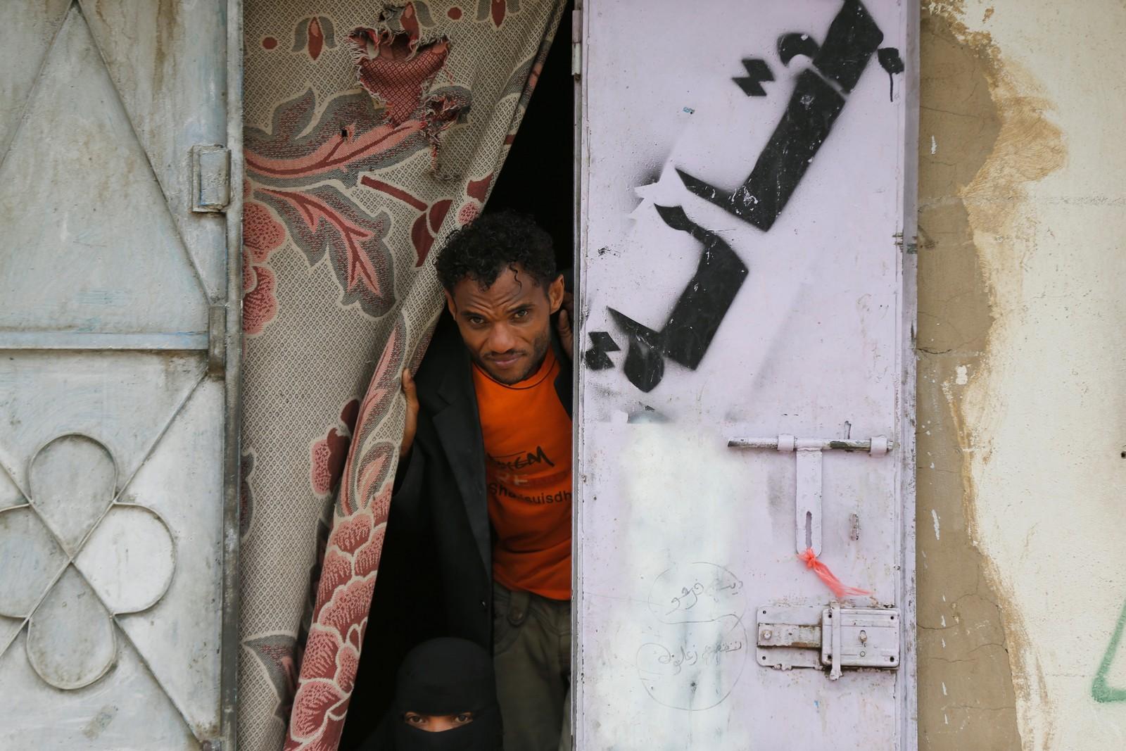 Desabrigado da cidade de Hodeida em abrigo na cidade de Sana'a, capital do Iêmen. — Foto: Khaled Abdullah/Reuters