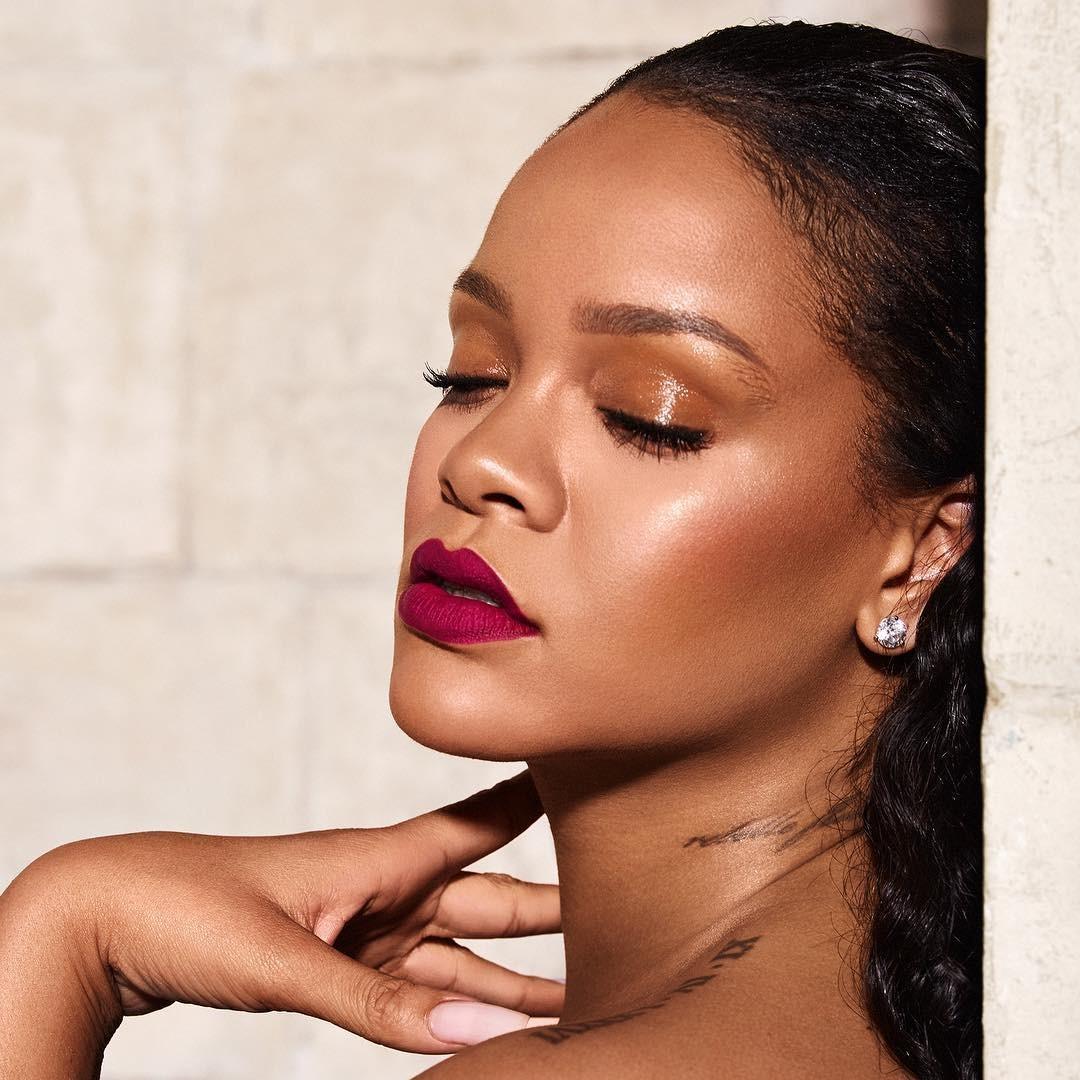 8f14b537a976b Rihanna responde seguidor e confirma álbum novo em 2019 - Vogue