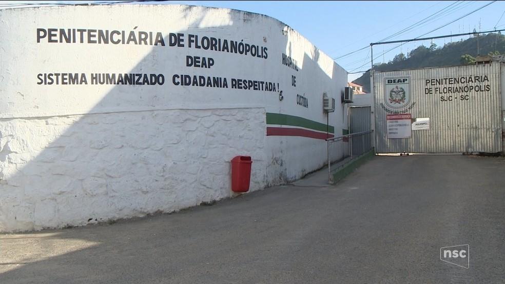 Penitenciária de Florianópolis: detento do regime semiaberto foi encontrado morto. — Foto: Reprodução/NSC TV