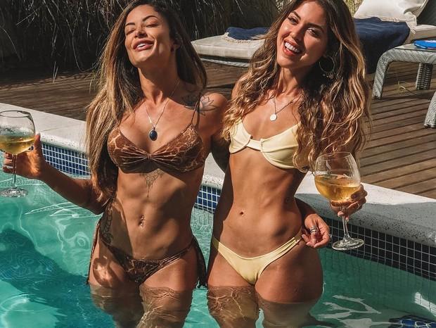 Aline Riscado e amiga (Foto: Reprodução/Instagram)