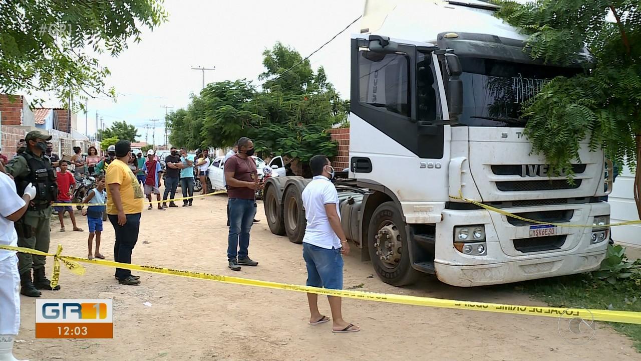 Homem é assassinado a tiros dentro de caminhão no bairro São Joaquim em Petrolina