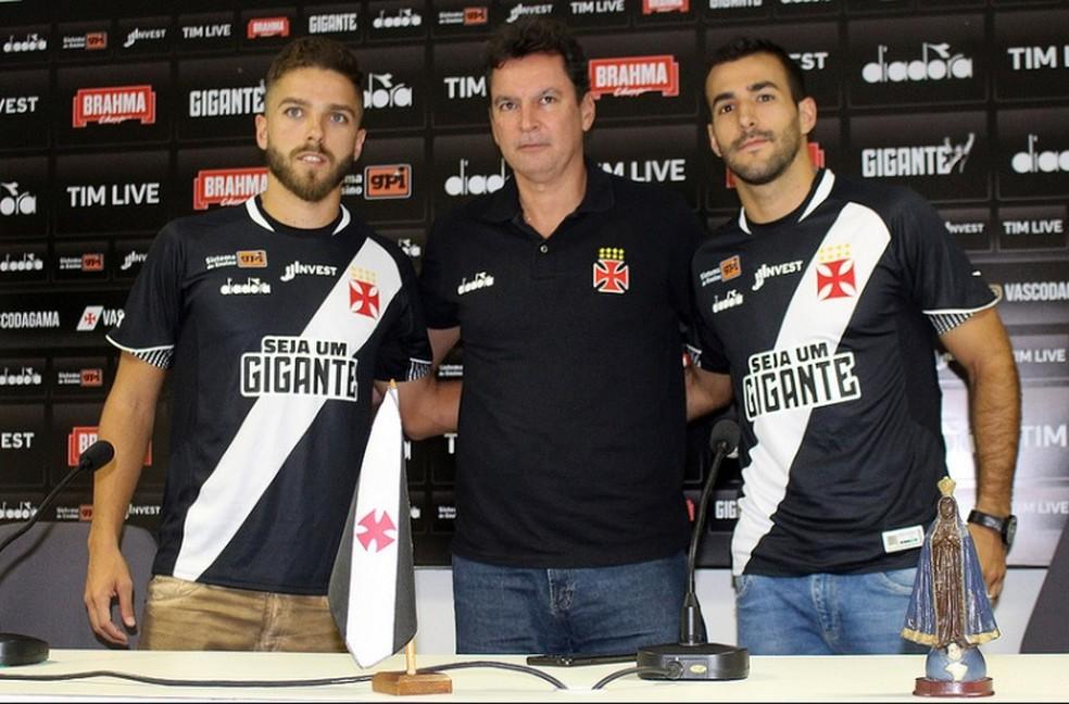 331f63e506 ... Claudio Winck e Raul Cáceres foram apresentados por Alexandre Faria  nesta sexta-feira — Foto