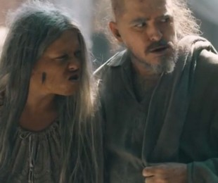 Germana (Vivianne Pasmanter) e Licurgo (Guilherme Piva) em 'Nos tempos do Imperador'   TV Globo