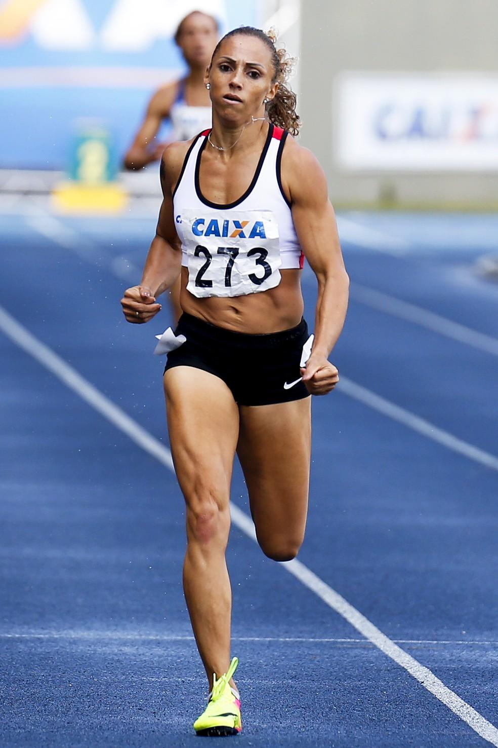 Geisa Coutinho correu várias vezes abaixo do índice da IAAF (Foto: Wagner Carmo / CBAt)
