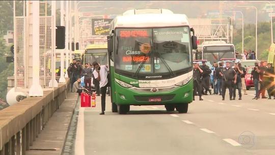Perícia indica que sequestrador de ônibus morreu com 6 perfurações