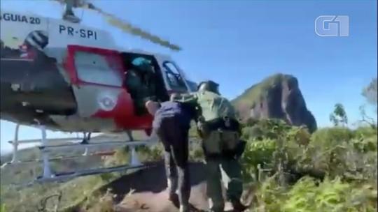 Turista é resgatado pelo helicóptero Águia no Pico do Corcovado em Ubatuba; veja vídeo