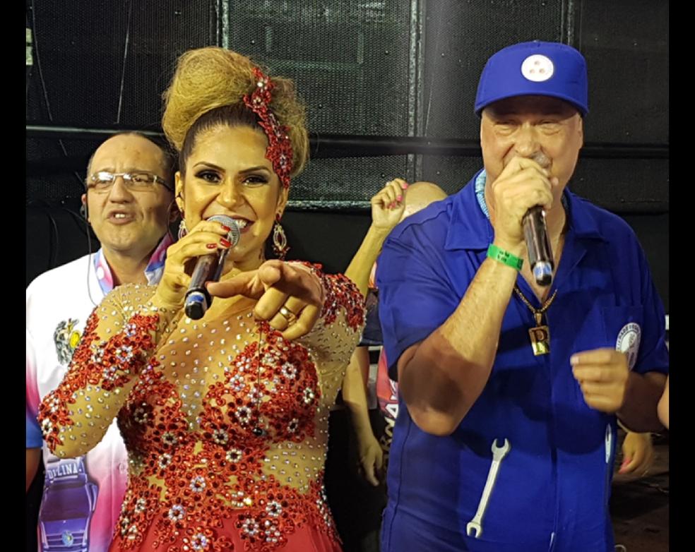 Mônica ao lado do intérprete Royce do Cavaco (Foto: Arquivo Pessoal)