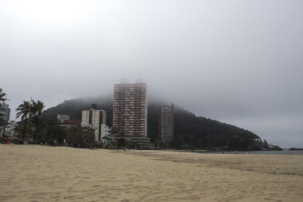 Praia Mansa em Caiobá. — Foto: Marcio Kubo