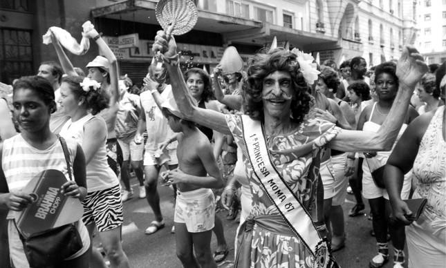 Irreverência durante mais uma festa do Cordão do Bola Preta em 1987