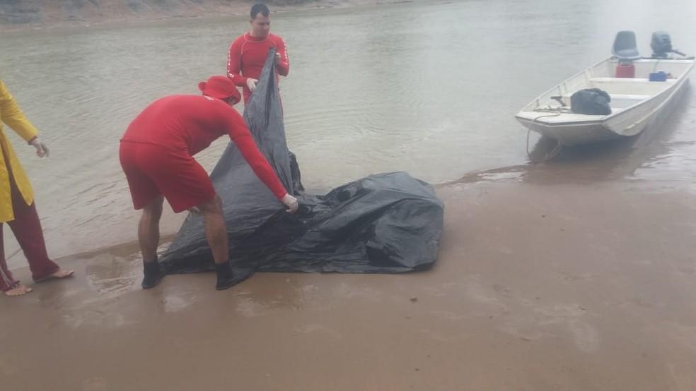 Bombeiros foram acionados para resgatar o corpo de Halefy Bezerra, que estava desaparecido desde o sábado (4) (Foto: Divulgação/Corpo de Bombeiros do Acre)