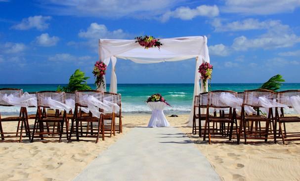 Casamento na praia (Foto: Thinkstock)