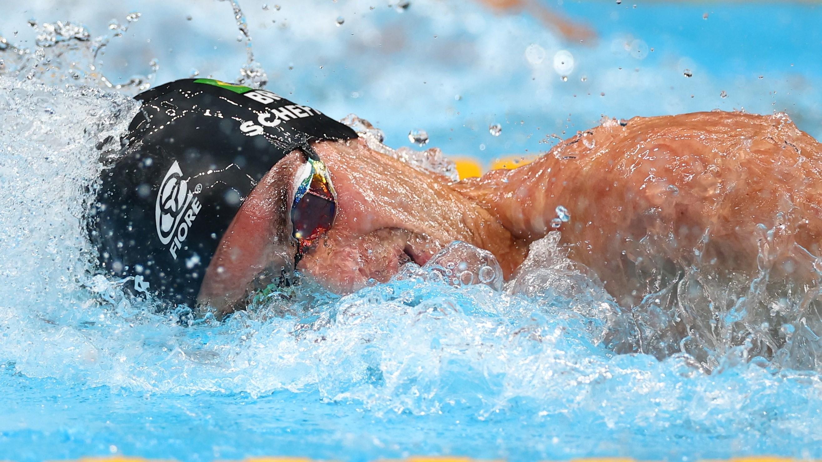 Bronze em Tóquio, Fernando Scheffer iniciou na natação em Canoas: 'Ele acredita até o fim', diz mãe