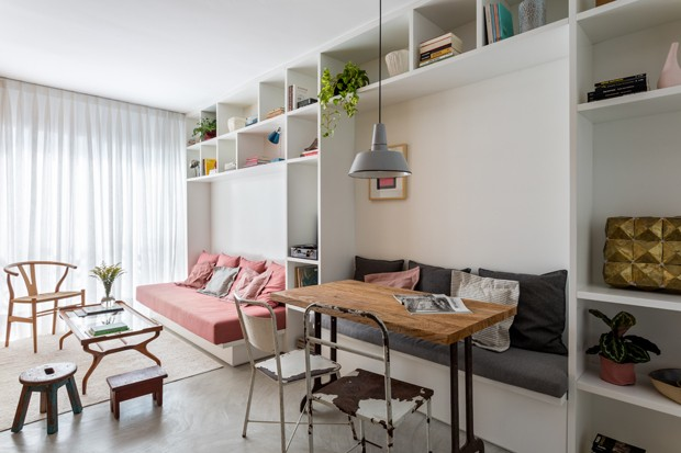 Um apartamento de 35 m² cheio de leveza e personalidade