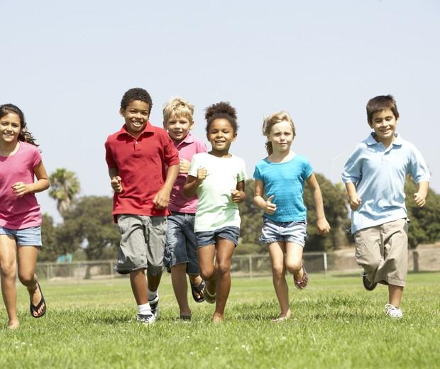 Crianças; atividade física; exercício físico; brincadeira (Foto: Thinkstock)