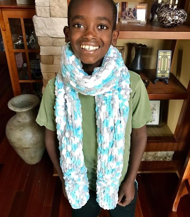 Jonah Larson, menino que fez sucesso com produtos de crochê (Foto: Reprodução/Instagram)