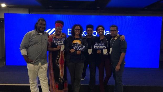 Equipe do Diaspora Black na Estação Hack,  programa desenvolvido pelo Facebook e pela Artemisia (Foto: Reprodução)
