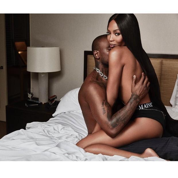 Naomi Campbell e Diddy posam em clima de romance para revista (Foto: Reprodução/Instagram)