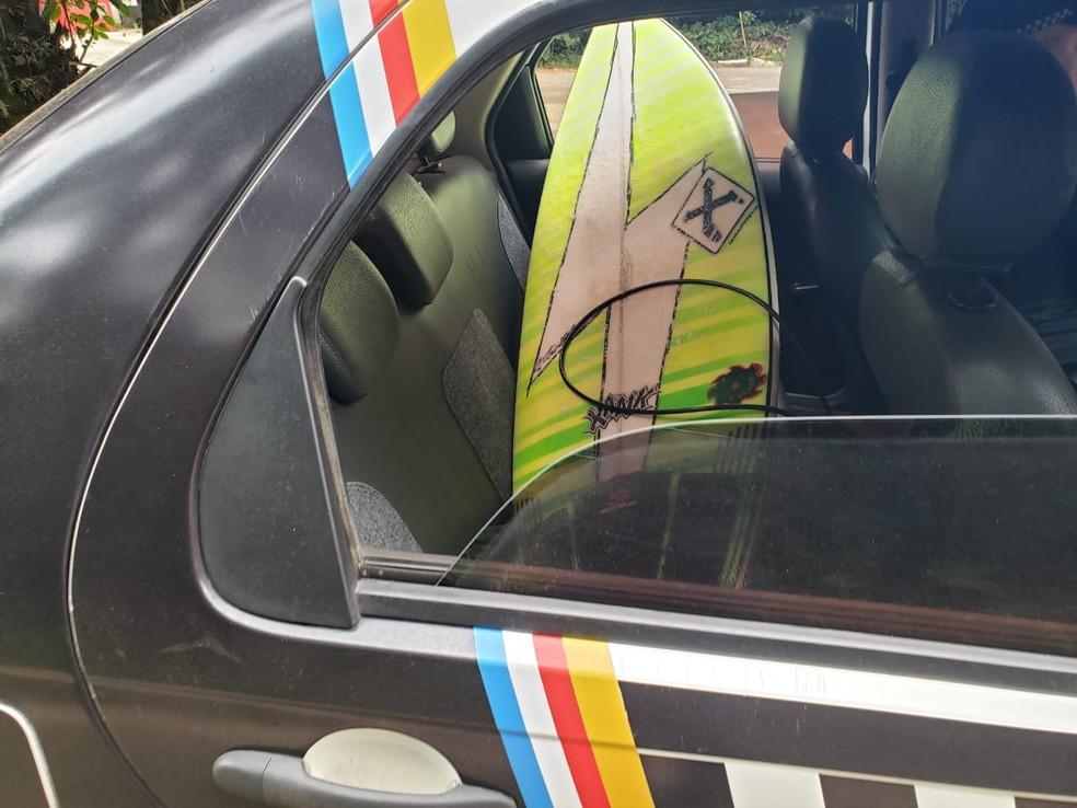 Surfistas têm pranchas apreendidas em Ubatuba por descumprirem quarentena — Foto: Divulgação/Prefeitura de Ubatuba