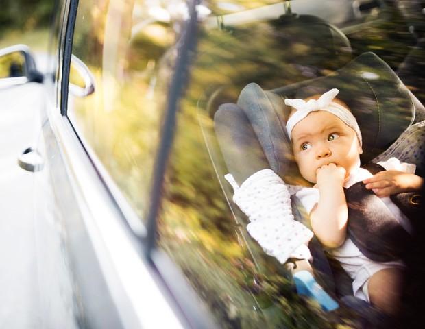 EUA atualiza orientações quanto ao transporte de crianças em veículos (Foto: Thinkstock)