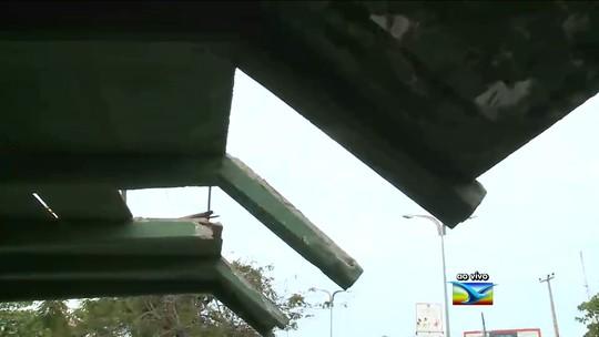 Paradas de ônibus estão deterioradas e sem conservação em São Luís, MA