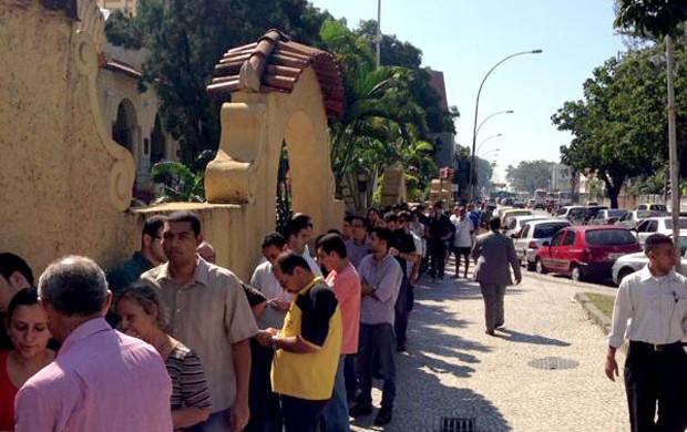 fila ingressos general severiano botafogo (Foto: Globoesporte.com)
