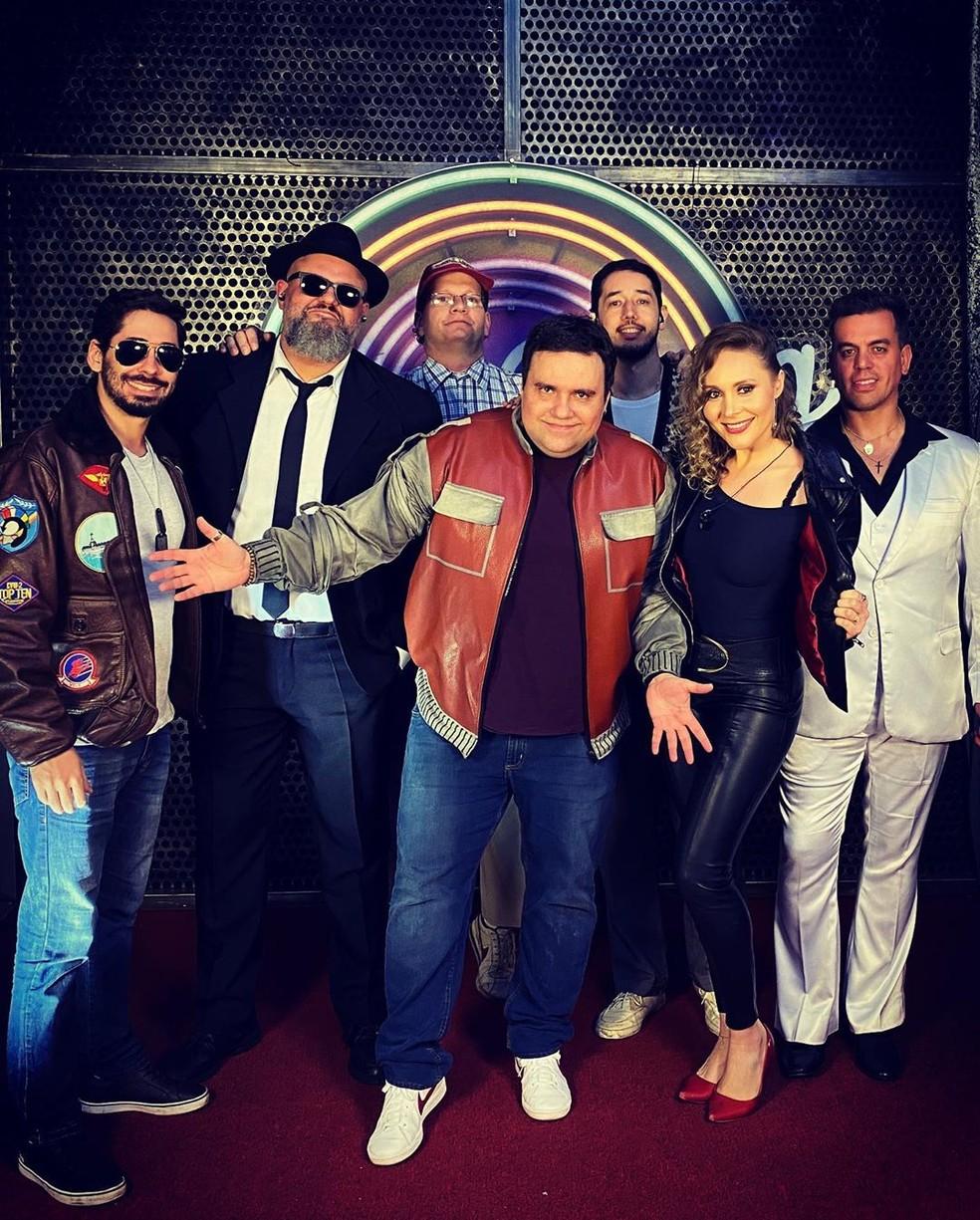 Rodrigo Rodrigues e a banda The Soundtrackers no 'Domingão' — Foto: Reprodução/Instagram