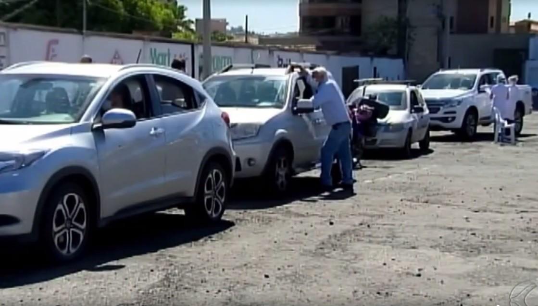 Prefeitura de Araxá aplica mais de mil testes rápidos de Covid-19 em esquema de drive-thru