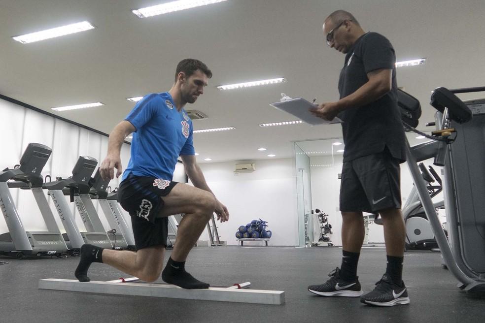 Mauro Boselli, em treinamento na academia do centro de treinamento do Corinthians — Foto: Daniel Augusto Jr/Ag.Corinthians