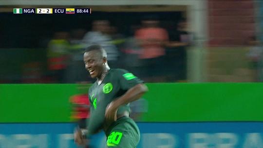 Nigéria vira sobre o Equador no fim e mantém 100% no Mundial Sub-17