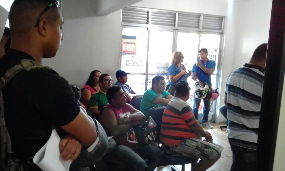 Deprov estava lotada na manhã desta quarta-feira (10), após retorno dos policiais civis da greve (Foto: Julianne Barreto/Inter TV Cabugi)