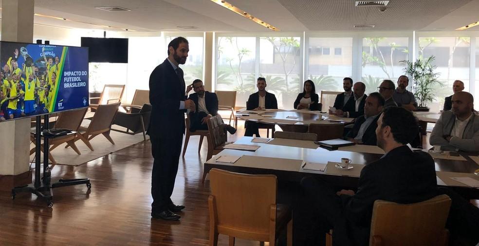 Secretário do Ministério da Economia pediu visitas em Brasília para debater soluções ao futebol brasileiro — Foto: Raphael Zarko