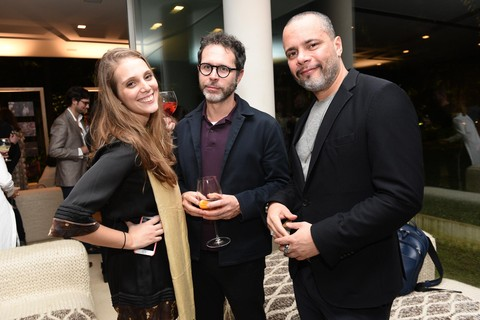 Catarina Dickenstein, do marketing da EGCN, Ivan Padilha e Ricardo Cruz - redator-chefe e diretor de redação da GQ, respectivamente