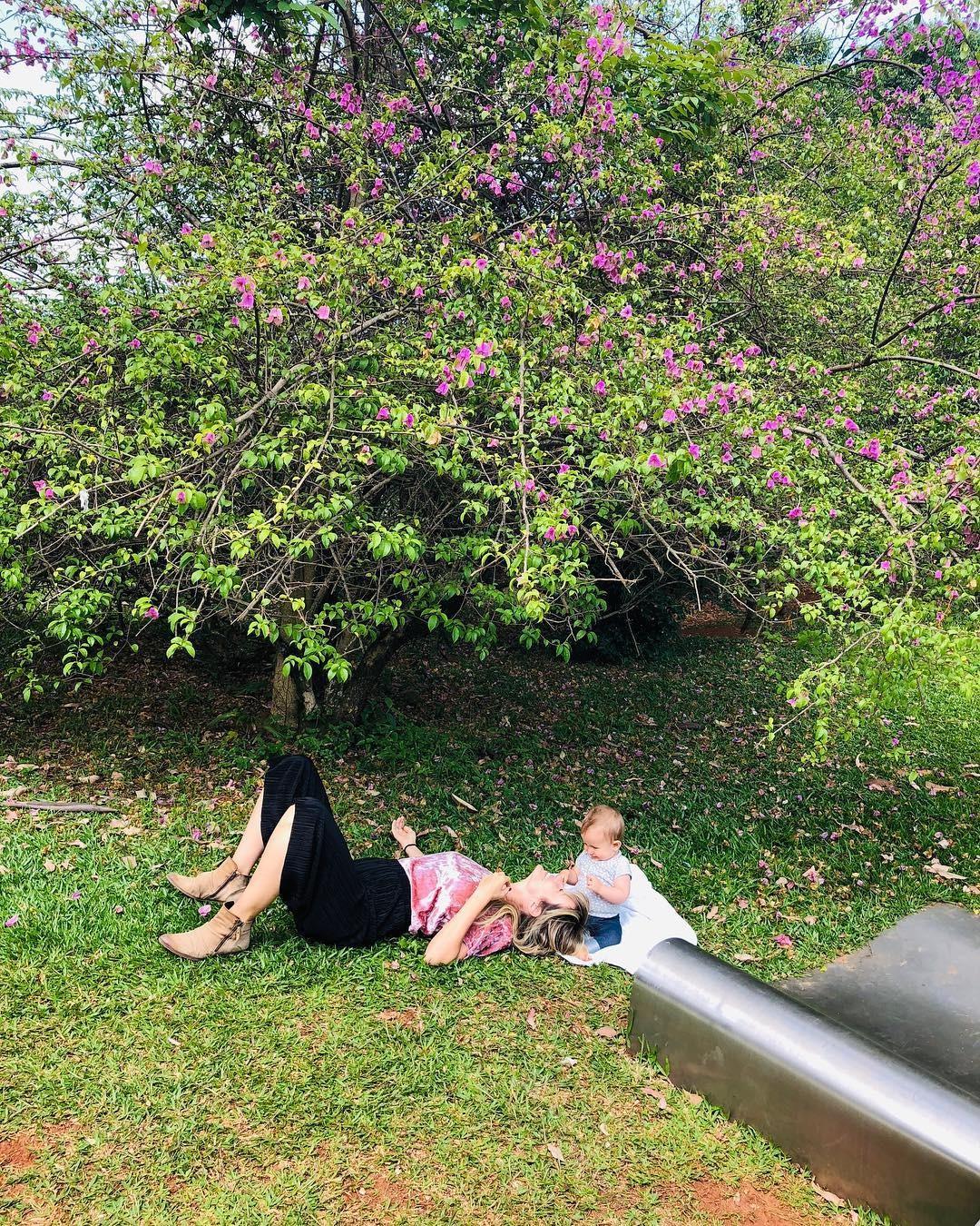 As duas em um momento ao ar livre (Foto: Reprodução/Instagram)