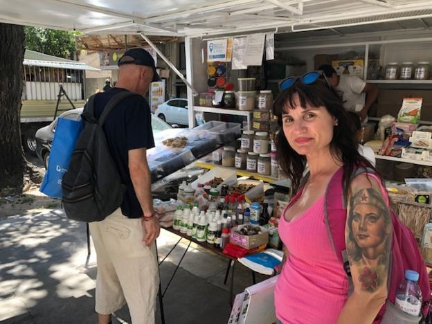 Anabella trocou férias no Rio de Janeiro por destino dentro da própria Argentina para economizar (Foto: MARCIA CARMO / BBC BRASIL)