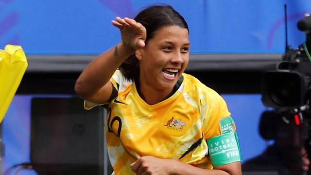 Kerr comemora gol da Austrália na Copa do Mundo Feminina
