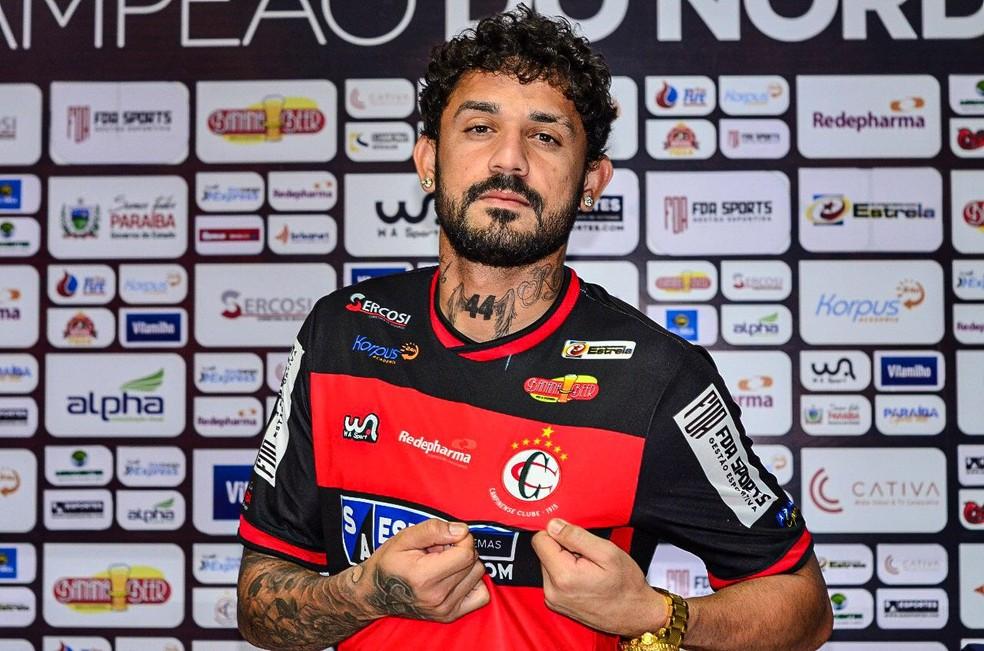 Bruno Menezes é mais um que não fica na Raposa para 2021 — Foto: Samy Oliveira / Campinense