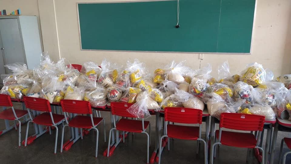 Prefeituras doam alimentos da merenda para alunos carentes após suspensão de aulas em MG