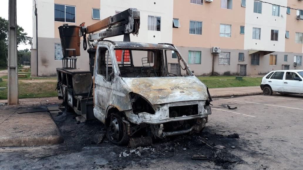 Justiça decreta prisão de trio suspeito de incendiar ônibus e caminhão em Porto Velho - Notícias - Plantão Diário