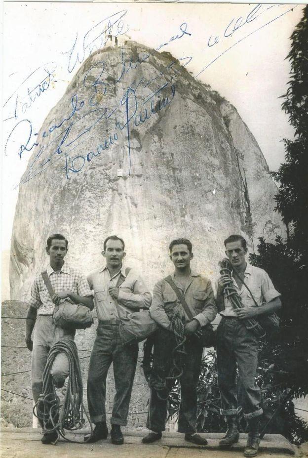 Em 1949, grupo de montanhistas encontrou corpo naturalmente mumificado preso numa fenda estreita da rocha (Foto: Clube Excursionista Carioca (CEC) via BBC News Brasil)