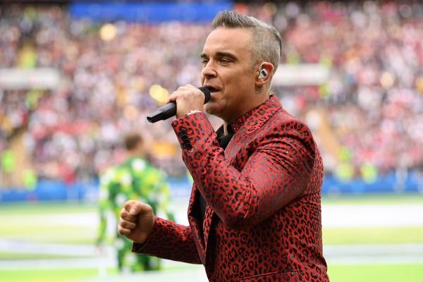 O cantor Robbie Williams na cerimônia de abetura da Copa 2018 (Foto: Getty Images)