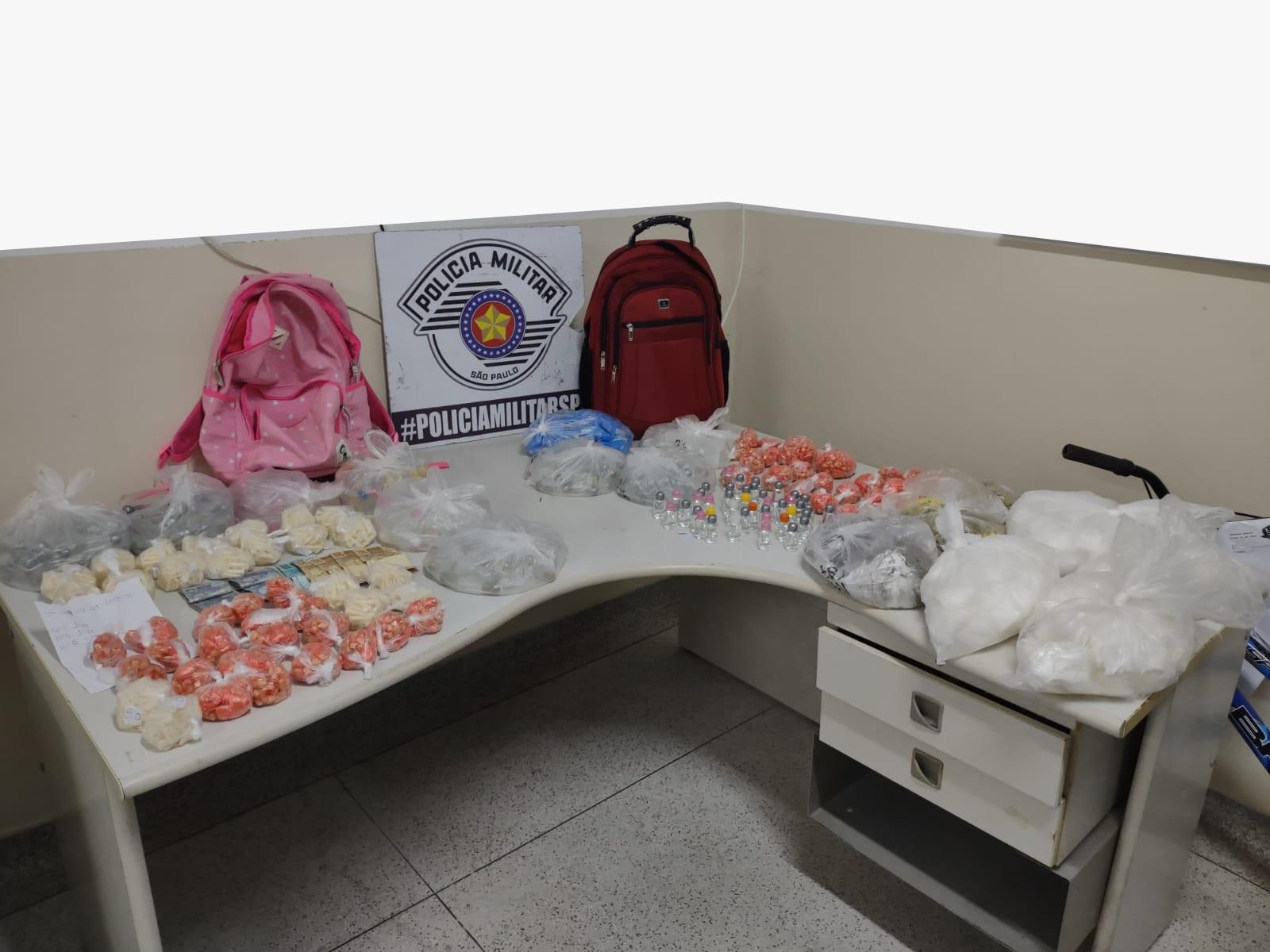 Trio é preso com mais de 6 quilos de drogas em Itaquaquecetuba, diz polícia