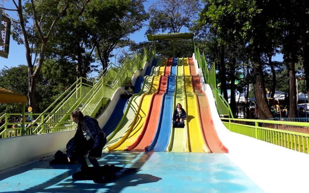 Brinquedo do parque Mutirama, em Goiânia, Goiás — Foto: Teo Taveira/TV Anhanguera