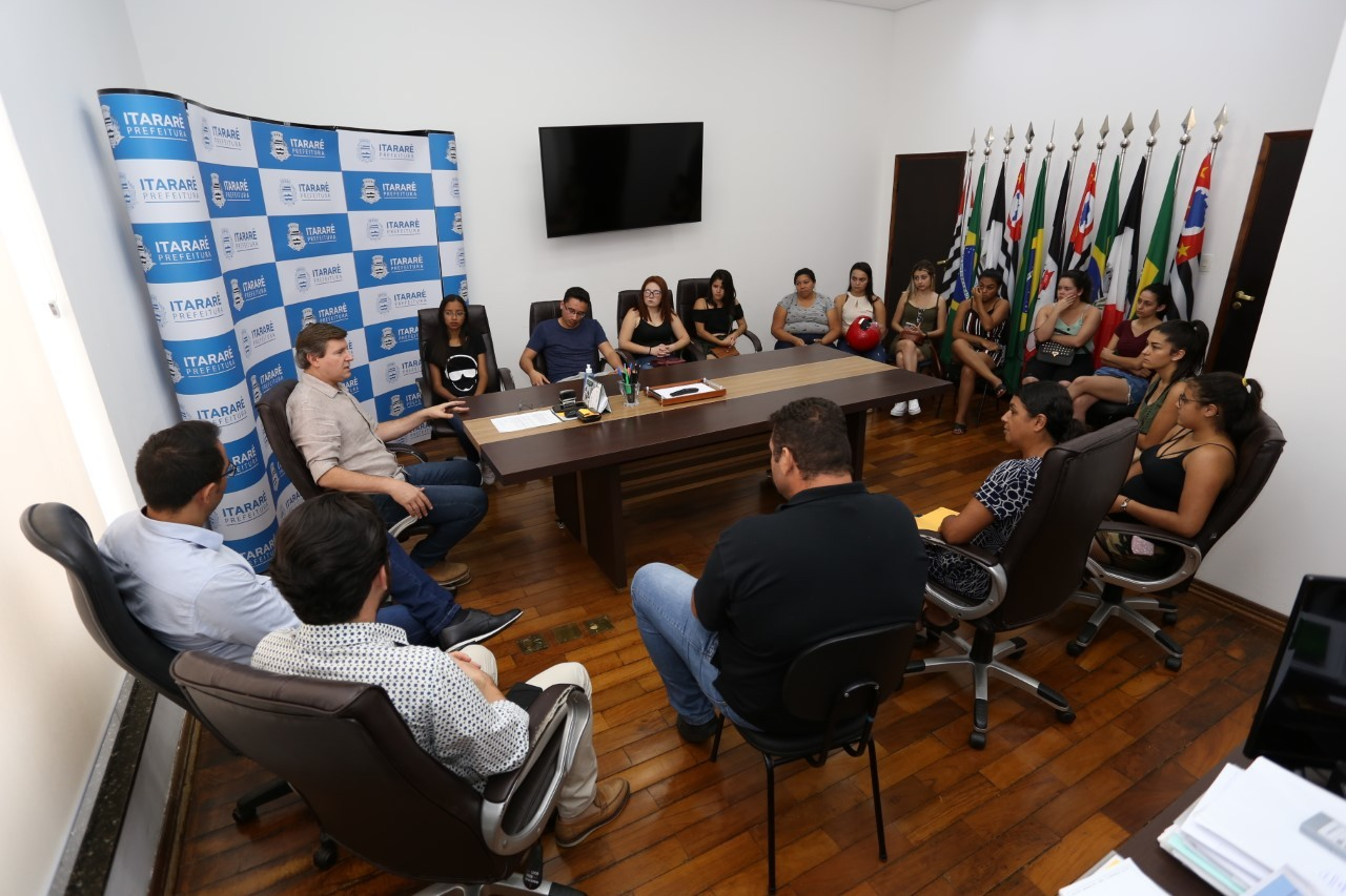 Prefeito manda recontratar mais de 100 estagiários dispensados por causa da Covid-19 em Itararé