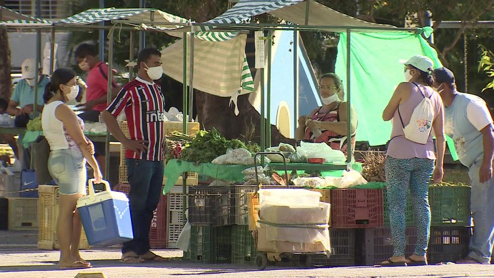 Uso de máscara passa a ser obrigatório por toda a população no sábado (12) — Foto: Reprodução/TV Globo