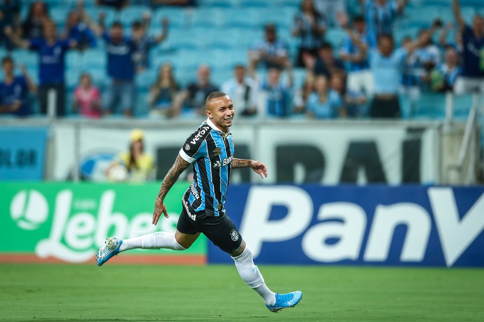 Everton comemora gol pelo Grêmio — Foto: Lucas Uebel/Divulgação Grêmio
