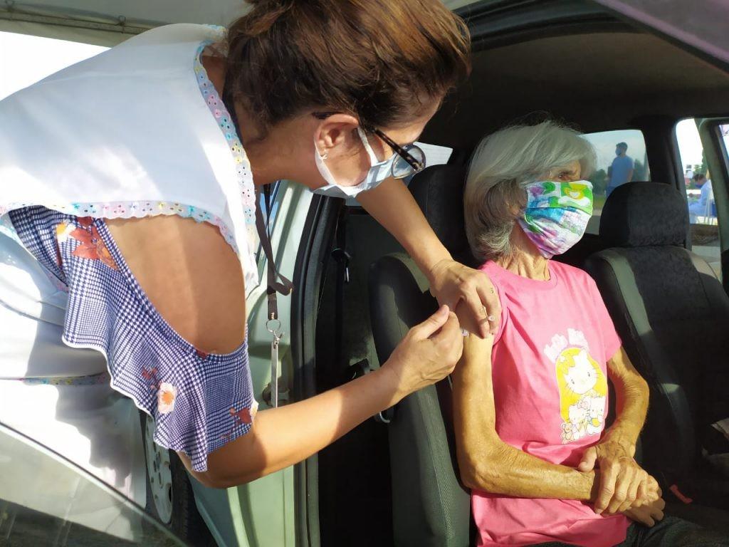 Fortaleza divulga lista de agendados para vacinação contra Covid-19 até 26 de setembro