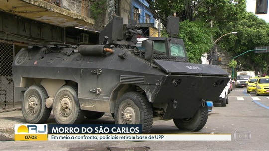 Em meio a confronto, policiais retiram base de UPP do São Carlos