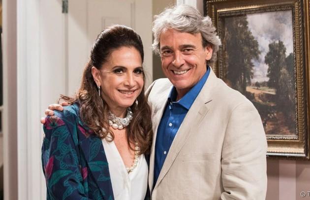 Após perderem tudo, Mercedes (Totia Meireles) e Quinzão (Alexandre Borges) irão morar num conjunto habitacionall (Foto: TV Globo)