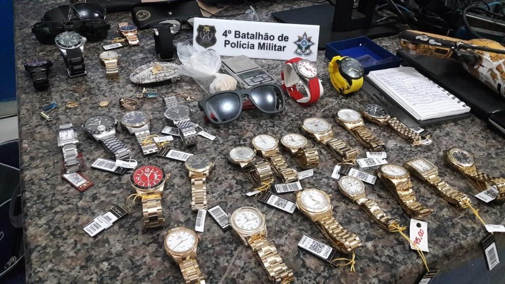 Relógios foram recuperados pela Polícia Militar — Foto: Polícia Militar/Divulgação